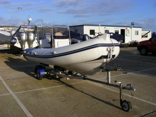 wetline 480 rib with mariner 40hp outboard engine - bow view 8_l