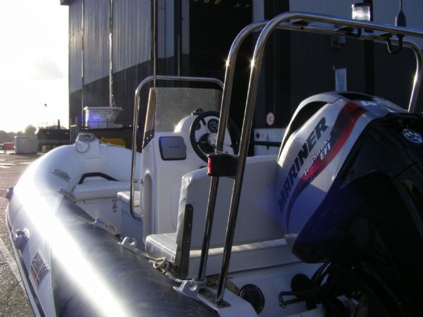 wetline 480 rib with mariner 40hp outboard engine - console looking forwards 5_l