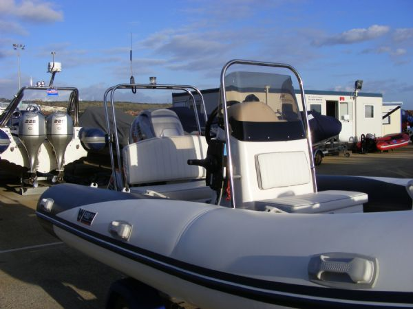 wetline 480 rib with mariner 40hp outboard engine - looking backwards 2_l