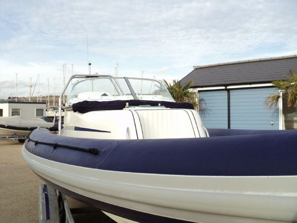 shearwater 7.5 with mercury 200hp outboard engine - bow looking back 5_l