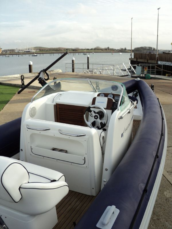 shearwater 7.5 with mercury 200hp outboard engine - cockpit 3_l