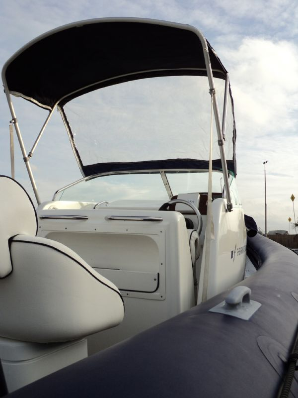 shearwater 7.5 with mercury 200hp outboard engine - looking forwards with bimini 12_l