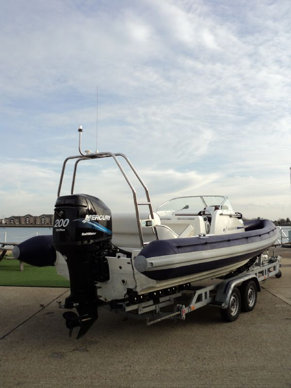 shearwater 7.5 with mercury 200hp outboard engine - stern looking forward 2_l