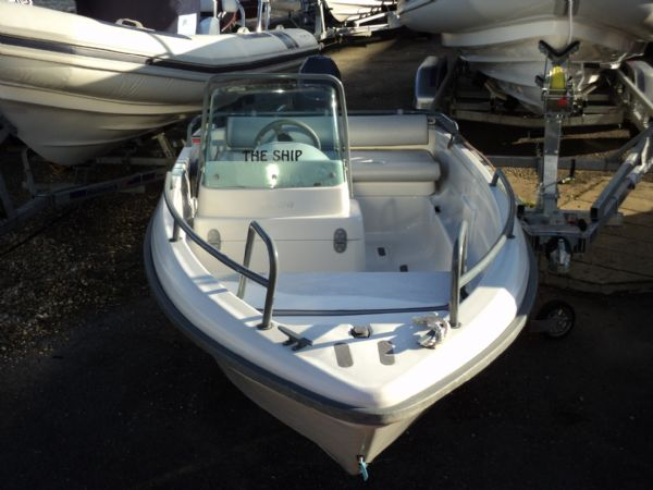 Terhi 4110 Boat with Yamaha 20HP 4 Stroke Outboard Engine