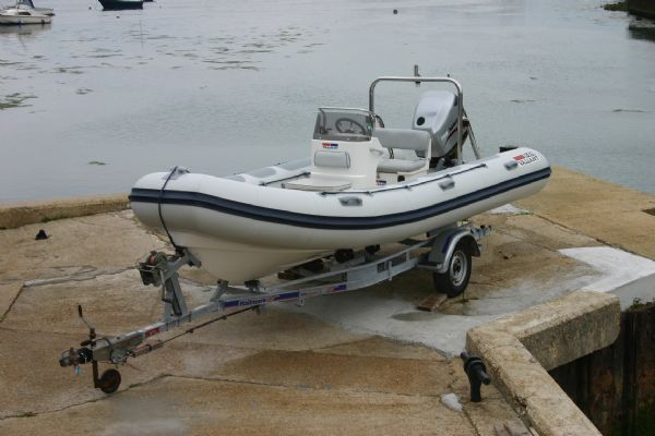 Click to see Valiant 5.7m RIB with Mariner 115HP Optimax Outboard Engine