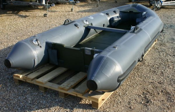 Click to see Ex Military Inflatable Gemini Boat