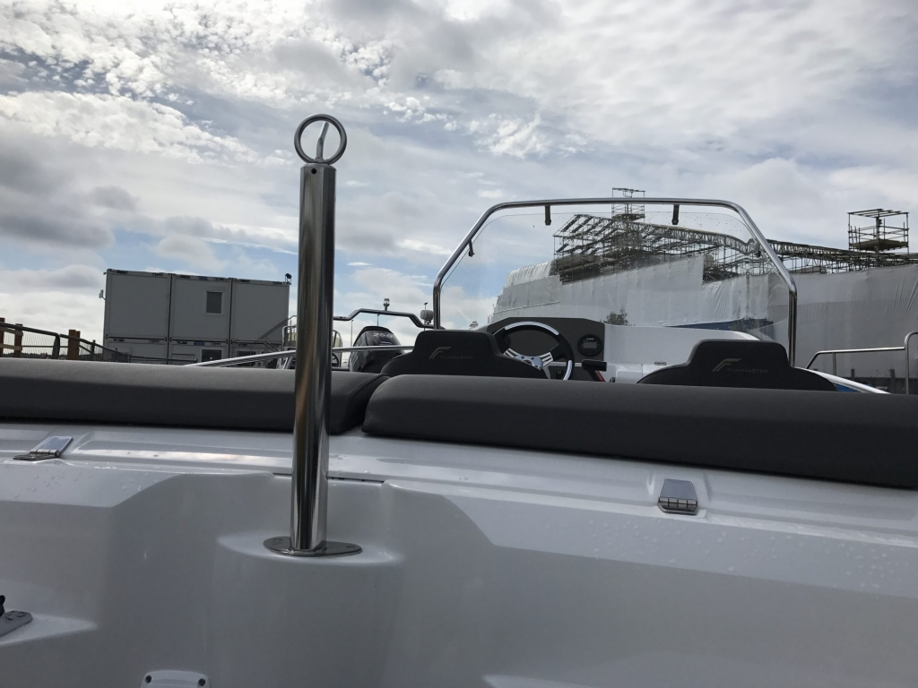 Stock - 1460 - Finnmaster 55 SC Day Boat with Yamaha F70HP Outboard Engine - Water skiing towing pole