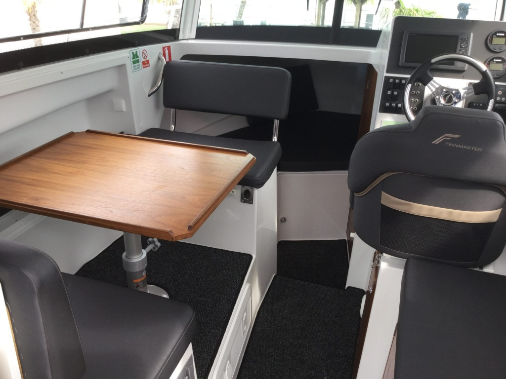 Brokerage - 1433 - Finnmaster P7 Weekend with Yamaha F150 engine - Dining table
