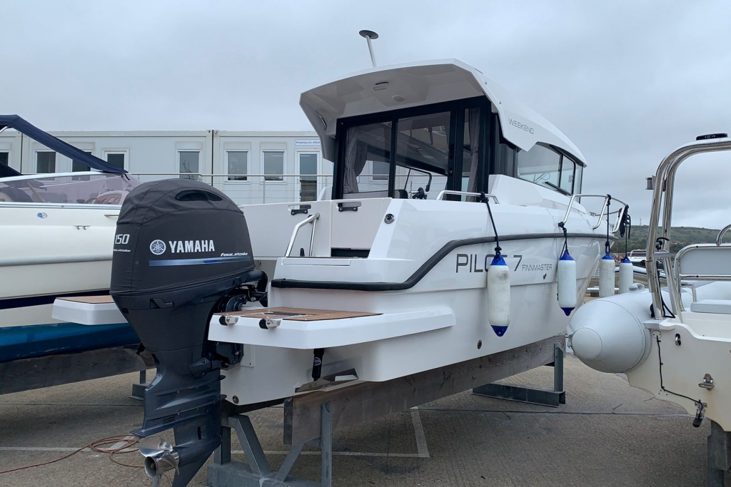 1676 - BROKERAGE- FINNMASTER PILOT 7 WITH YAMAHA F150 ENGINE_2.jpg