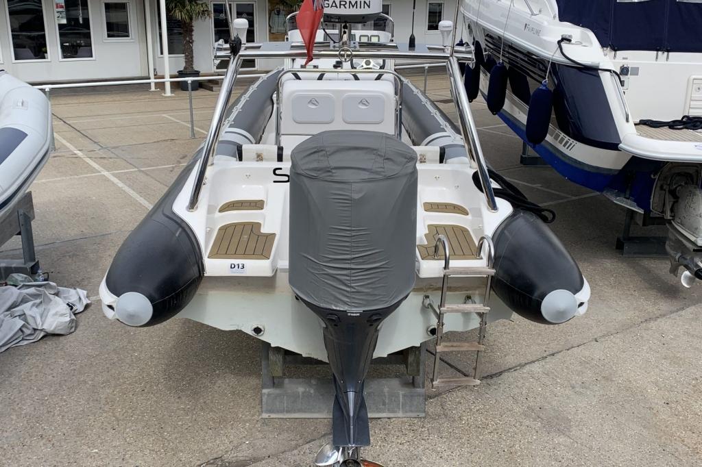 1654 - Cobra 8.0 RIB with Yamaha F350 AETX engine - Aft
