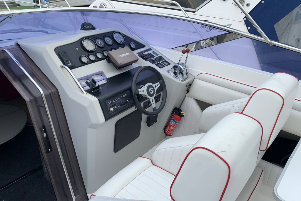 1686 - BROKERAGE - SUNSEEKER TOMOHAWK 37_7.jpg