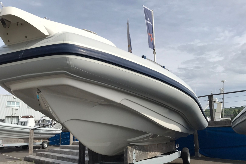 #1695 MARLIN 28 WITH TWIN SUZUKI DF250HP ENGINES_15.jpg