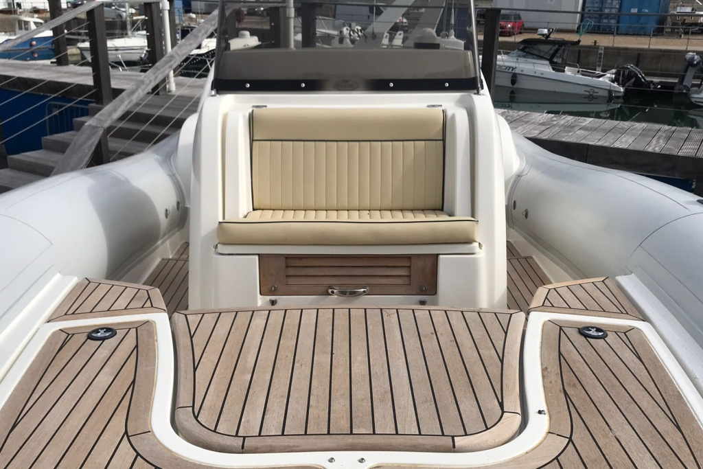 #1695 MARLIN 28 WITH TWIN SUZUKI DF250HP ENGINES_8.jpg