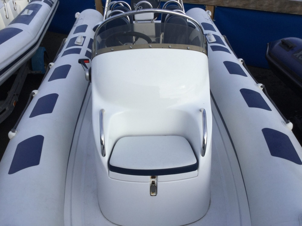 Stock - 1555 - Ribeye A600 RIB with Yamaha F100DET engine and trailer - Console seat