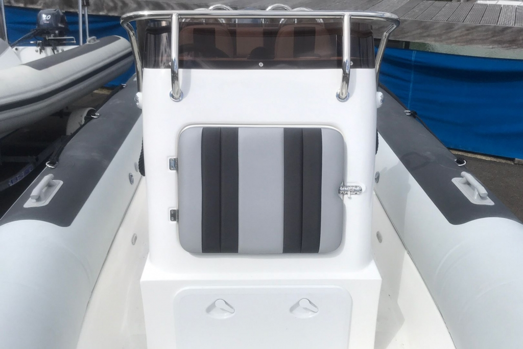 #1605 BALLISTIC 5.5 WITH YAMAHA F70HP ENGINE_5.jpg