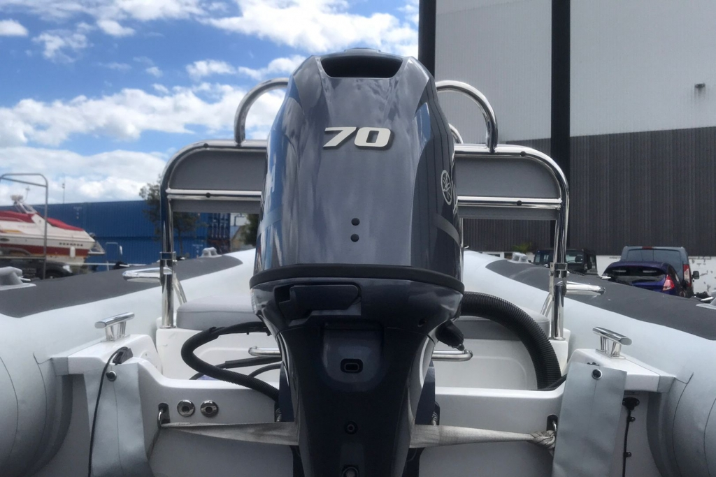#1605 BALLISTIC 5.5 WITH YAMAHA F70HP ENGINE_8.jpg