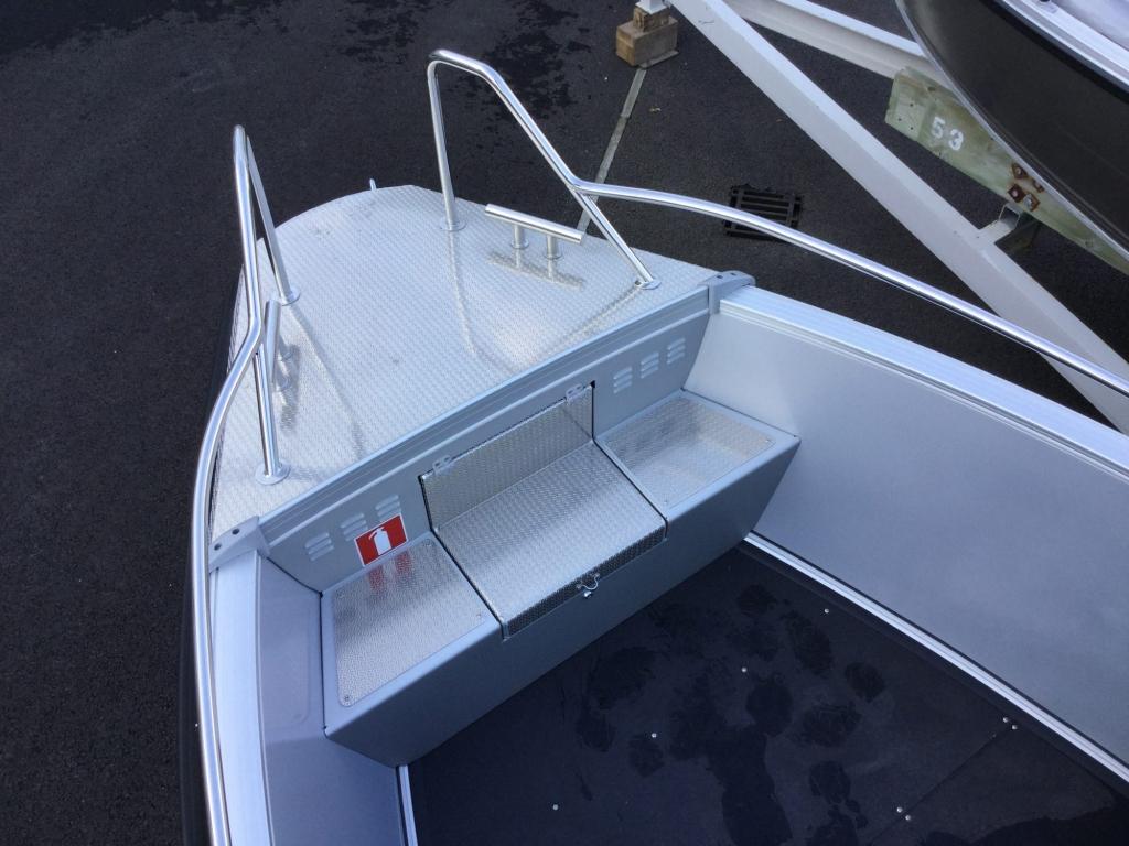 Stock - 1532 - Buster XL Boat with Yamaha F100 engine - Anchor locker