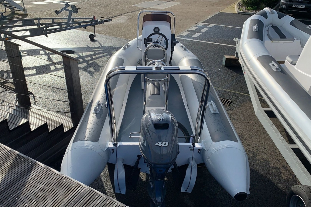Ballistic 4.2 Club RIB with Yamaha F40 engine - Aft.jpg