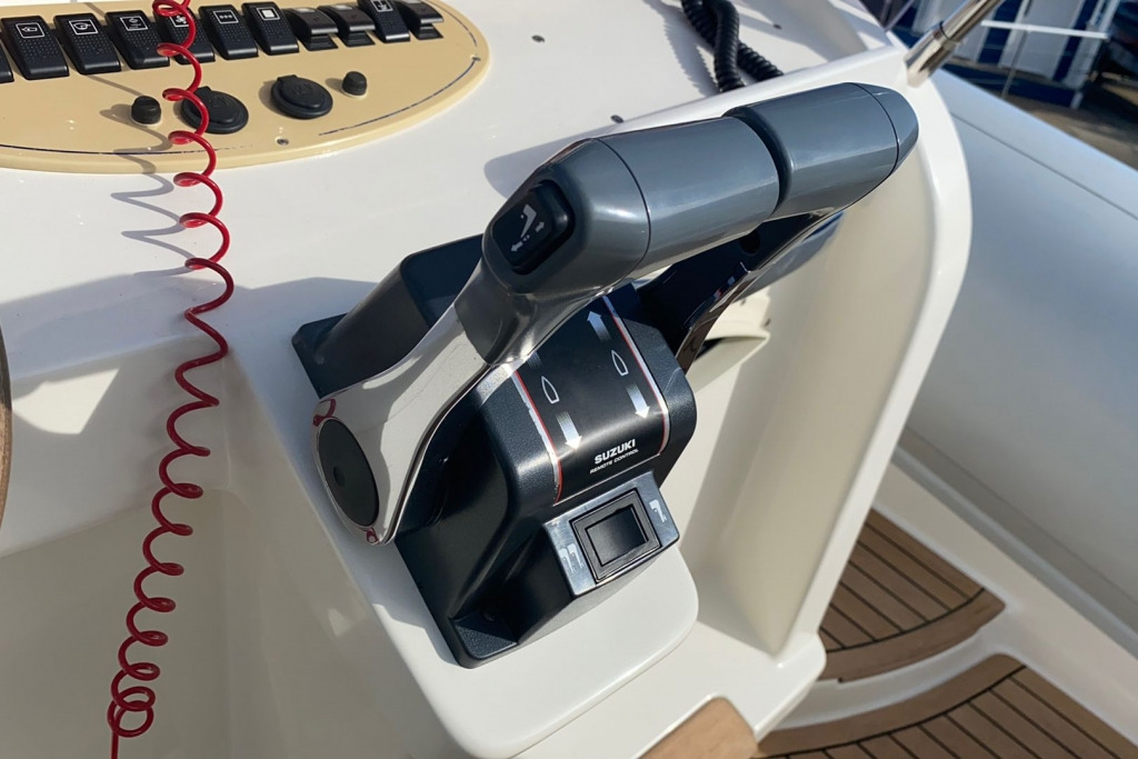 2008 Marlin 28 Suzuki DF250