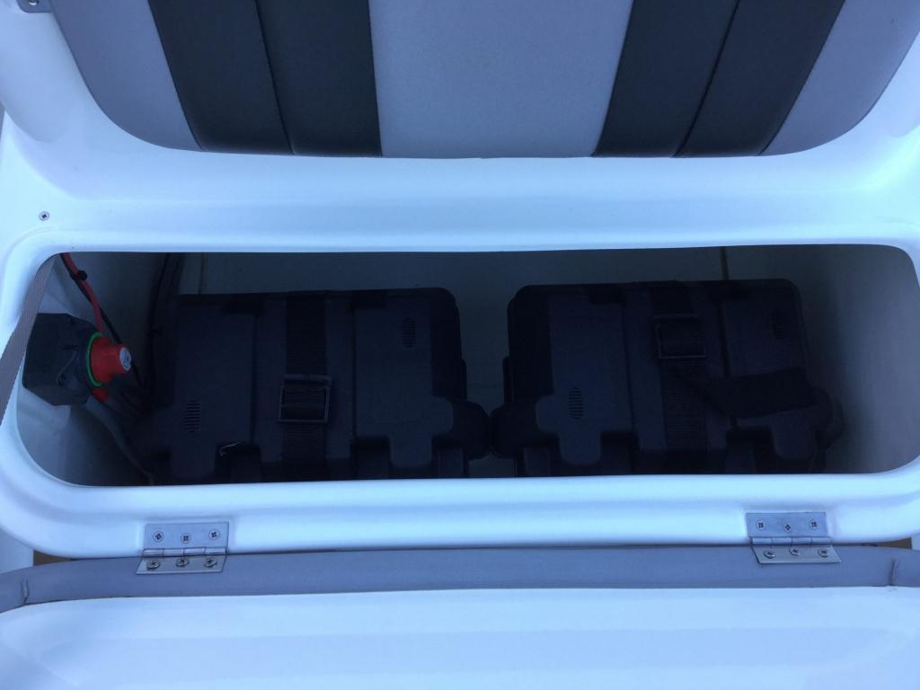 Brokerage - BCT - Ballistic 6m RIB with Yamaha F115BET engine - Battery lockers