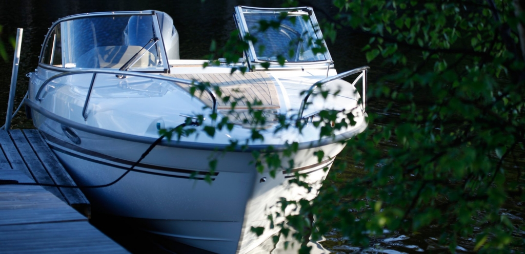 Finnmaster 62 Day Cruiser with Yamaha Outboard Engine - Bow