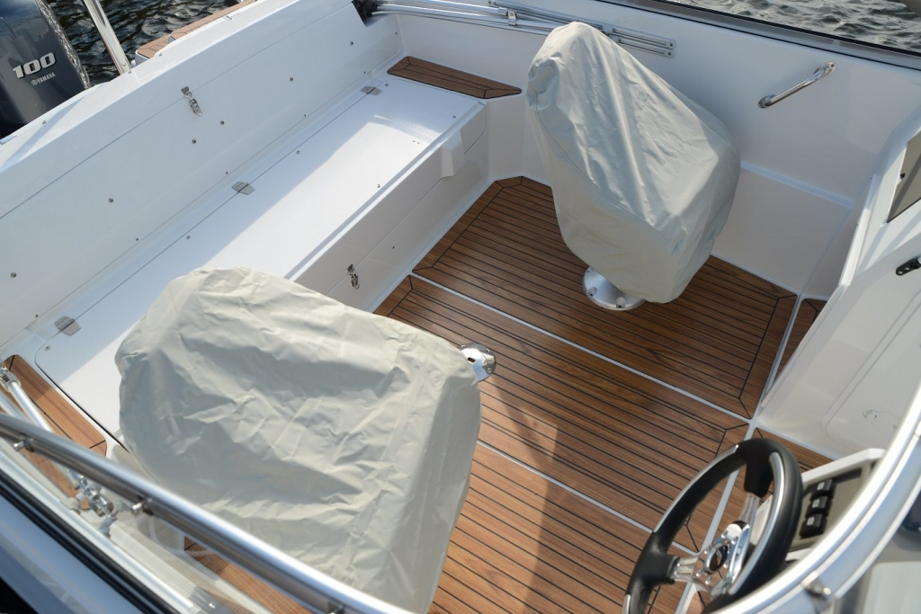 Finnmaster 62 Day Cruiser with Yamaha Outboard Engine - Seat covers