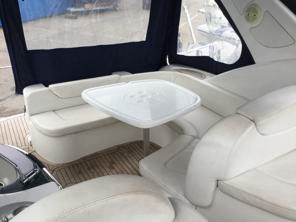 Brokerage - 1495 - Sessa Oyster 30 with Twin Volvo Diesel engines - Cokpit dining 2
