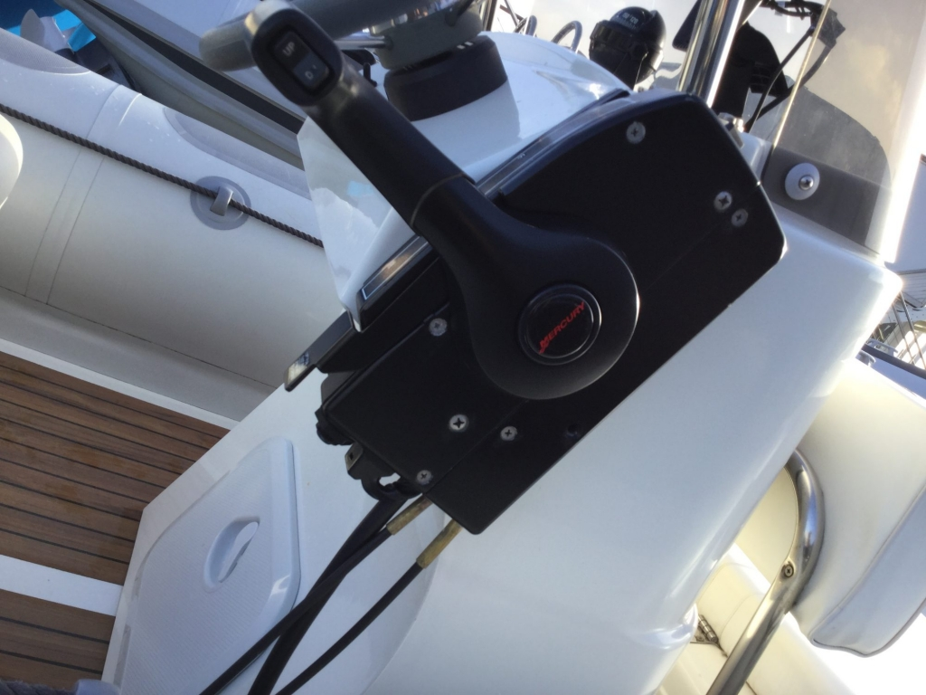 Stock - 1547 - Valiant 520 RIB with Mercury 50hp engine and trailer - Side mount