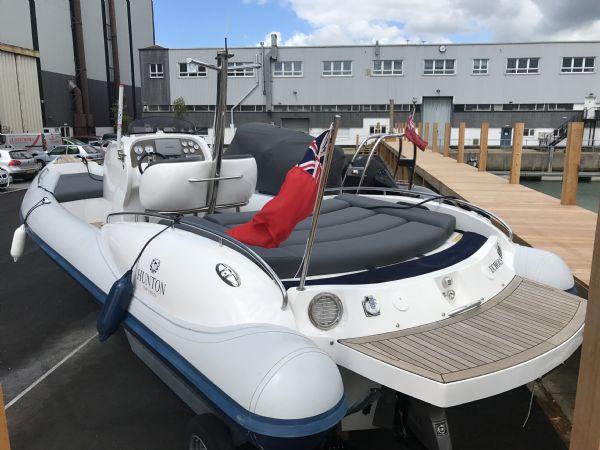 1503 - hunton 904 rib with volvo 370hp diesel inboard engine - stern and tubes_l