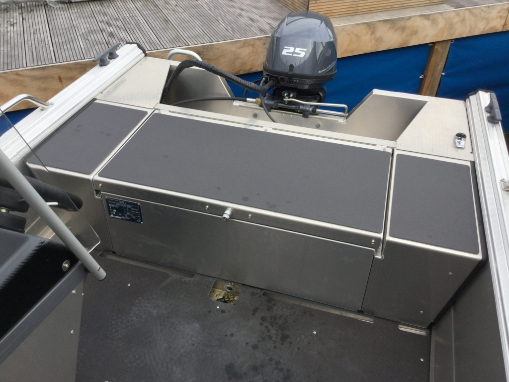 Stock - 1530 - Buster S Boat with Yamaha F25 engine - Rear bench