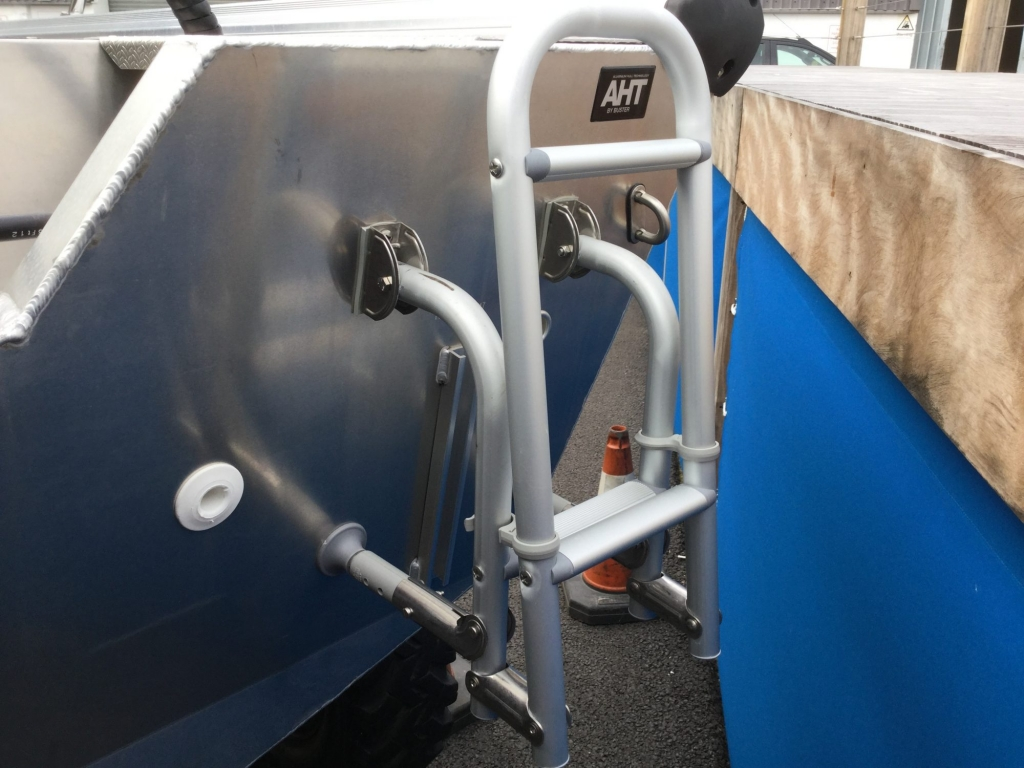Stock - 1530 - Buster S Boat with Yamaha F25 engine - Swim ladder