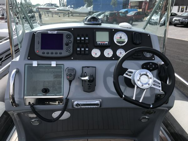1497 - brokerage - arctic blue 23 rib with yanmar 260hp inboard engine - console and electronics_l