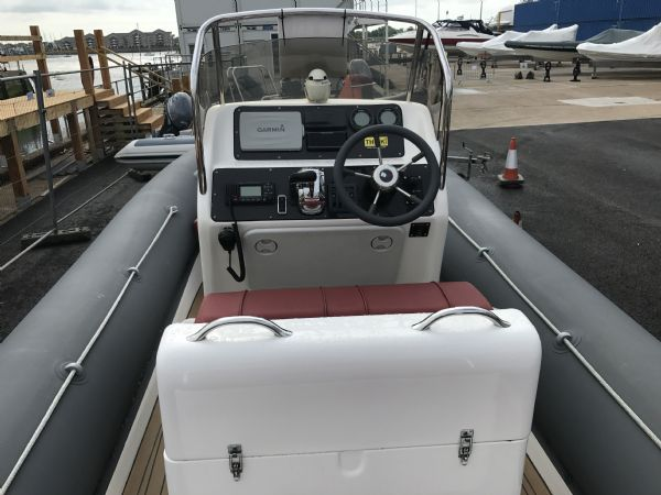 1499 - rib-x 7.6m rib with suzuki df250hp outboard engine - seating and console_l