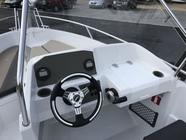 stock - 1460 - finnmaster 55 sc day boat with yamaha f70hp outboard engine - console and digital engine gauge_l