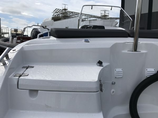 stock - 1460 - finnmaster 55 sc day boat with yamaha f70hp outboard engine - stern lockers_l