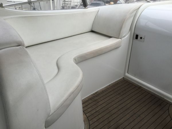 brokerage - 1495 - sessa oyster 30 with twin volvo diesel engines - cockpit lounger_l