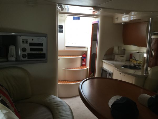 brokerage - 1495 - sessa oyster 30 with twin volvo diesel engines - facing galley_l