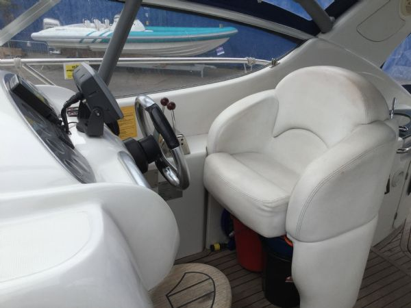 brokerage - 1495 - sessa oyster 30 with twin volvo diesel engines - helm_l
