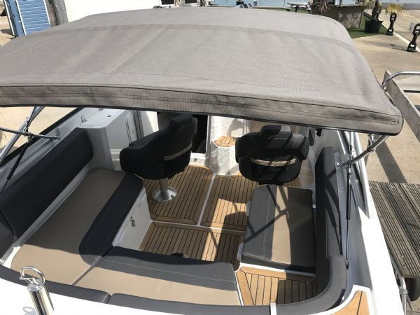 stock - 1461 - finnmaster 62 day cruiser with yamaha f150hp engine - canopy cover stern_l