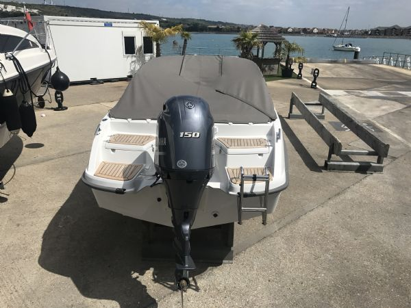 stock - 1461 - finnmaster 62 day cruiser with yamaha f150hp engine - cockpit cover_l
