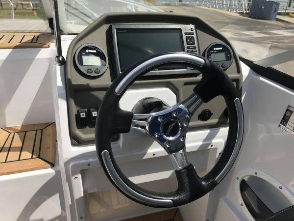 stock - 1461 - finnmaster 62 day cruiser with yamaha f150hp engine - console and electronics_l
