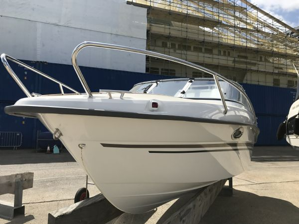 stock - 1461 - finnmaster 62 day cruiser with yamaha f150hp engine - navigation light and grab rails_l