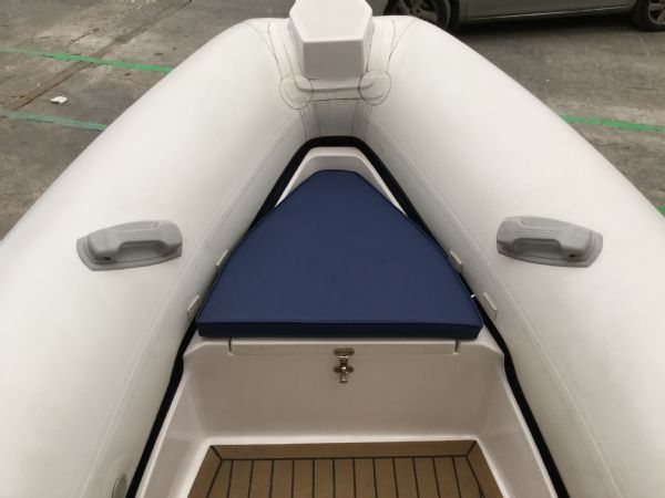 1485 - wetline 480 rib with mariner f50hp engine and trailer - anchor locker and bow_l