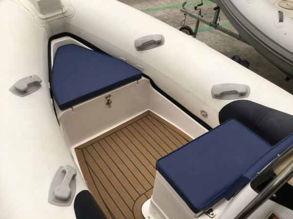 1485 - wetline 480 rib with mariner f50hp engine and trailer - bow seating area and teak deck_l