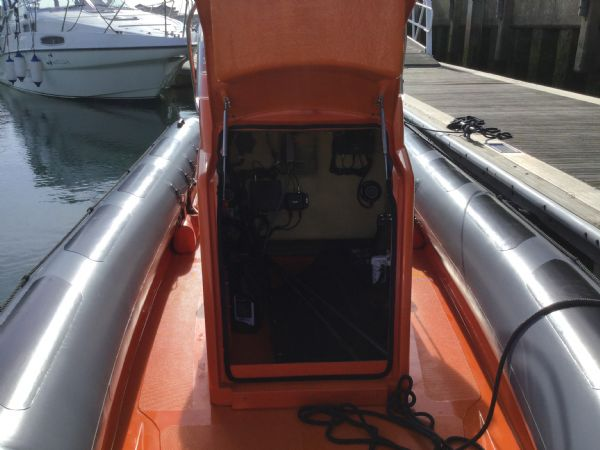 1486 - brokerage - shearwater cutter 6.8 rib with mercury 150 engine - console open_l