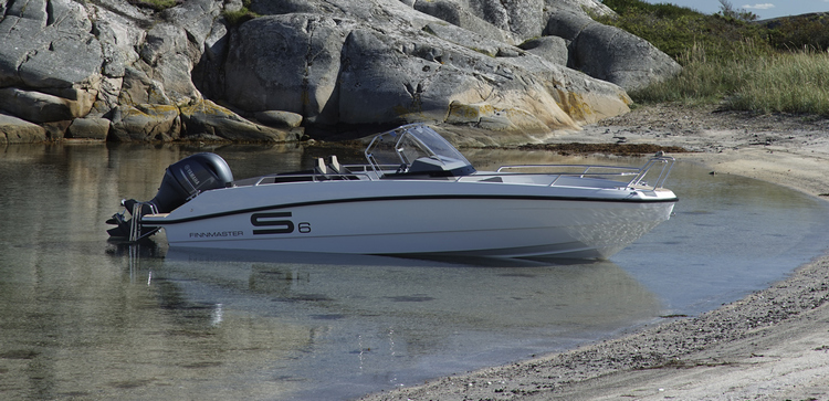 New Finnmaster S6 Console Boat with a Yamaha Outboard Engine - New Finnmaster S6