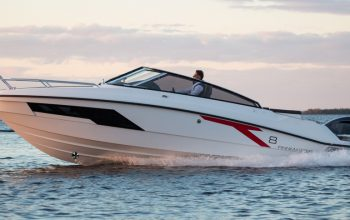 New Finnmaster T8 Day Cruiser with a Yamaha Outboard Engine
